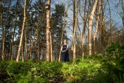 Fotoshoot zwangerschap in een bos